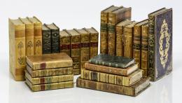 101  -  [Libros decorativos en francés: 24 vol.]