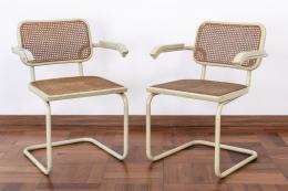 "54  -  <p><span class=""description"">Sillas cantilever Cesca, estilo Marcel Breuer, década de los 60</span></p>"